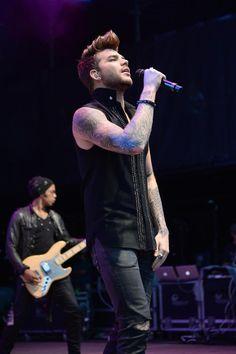I'm drawn by his beauty  #TeenChoice #ChoiceMaleArtist Adam Lambert