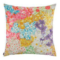 Discover the Missoni Home Seychelles Cushion - at Amara Scatter Cushions, Throw Pillows, Luxury Sofa, Seychelles, Missoni, Tapestry, Stuff To Buy, Design, Home Decor