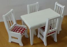 17. 1 Inch Scale Dollhouse Dining Room Set