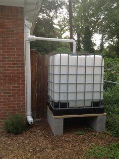 Ways To Make Water From Air – Greenhouse Design Ideas Water Collection System, Rain Collection, Water Catchment, Rain Catchment System, Water From Air, Pub Set, Water Conservation, Save Water, Backyard Landscaping