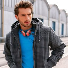 Blue/beard style