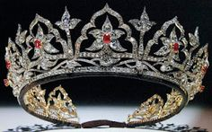 The Oriental Circlet of Queen Victoria. It originally contained opals, but when Alexandra, the Princess of Wales acceded to the throne and inherited this piece, she has the opals replaced with rubies, as opals are superstitiously bad luck when worn by women.