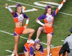 Cheerleader Forgot To Wear Underwear