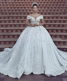 Luxury Lace Ball Gown Wedding Dresses Off The Shoulder V Neck Beaded  Appliqued Bridal Gowns Cathedral Overskirt Vestidos De Novia b1ee2b5bc703