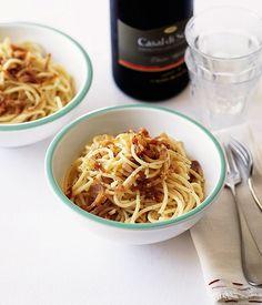 Spaghetti carbonara  Wine: Umani Ronchi Verdicchio dei Castelli di Jesi Casal di Serra, Marche (Italy),