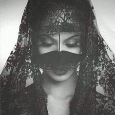 beautiful niqab, REORIENT magazine