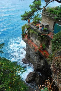 bacon-radio: tentoze: eccellenze-italiane: Dreamhouse by pink-mushroom PORTOFINO Yes, I could live here. Beautiful Places To Travel, Beautiful World, Beautiful Ocean, Ocean Front Homes, Vacation Spots, Places To See, Travel Inspiration, Travel Photography, Scenery