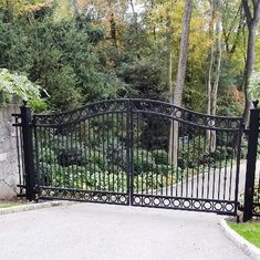 Westchester Automated Gate fabricates and installs residential and commercial driveway gates. Includes Service Calls for Automated Gate Operating Systems. Wrought Iron Driveway Gates, Driveway Entrance, Front Gates, Entrance Gates, Iron Fences, Metal Gates, Fencing, Backyard Gates, Garden Gates