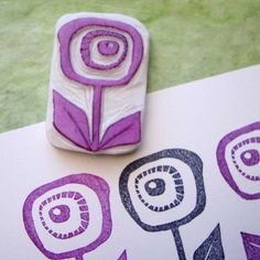 foam printmaking Ro Bruhn Art: Stamps and Fabrics Stamp Printing, Printing On Fabric, Screen Printing, Tampons En Mousse, Homemade Stamps, Make Your Own Stamp, Foam Stamps, Stamp Carving, Fabric Stamping