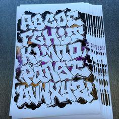 Graffiti Letters Styles, Images Graffiti, Graffiti Lettering Alphabet, Graffiti Text, Tattoo Fonts Alphabet, Hand Lettering Art, Tattoo Lettering Fonts, Graffiti Designs, Doodle Lettering