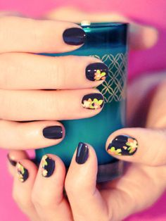 Black Floral Nail Art http://www.ivillage.com/so-pretty-10-spring-nail-art-trends-try-right-now/5-a-562659