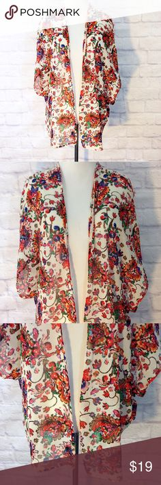Breezy Floral Chiffon Kimono Cover Up Size Small In very good condition  A268 Charlotte Russe Other