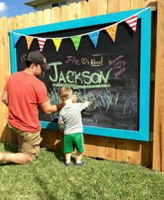 DIY Outdoor Chalkboard on Fence. Interesting things to do out there in your backyard. So simple and cheap to make, and you could play them with your kids or family anytime.