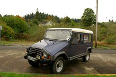 Documenting and celebrating the forgotten daily drivers and automotive workhorses of Portland, Oregon Carros Suv, Four Wheel Drive, Lisbon Portugal, Car Brands, Custom Cars, Cars And Motorcycles, Offroad, Motors, Nissan