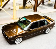 BMW E30 - Brown never looked so beautiful