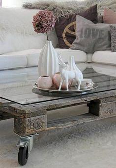 Muebles de madera, flores, tonos tierra y pastel... El estilo romántico encierra un sinfín de posibilidades que residen en los pequeños detalles...
