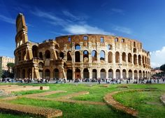 Coliseu. Comtemple as principais vistas da Roma Antiga e pule as filas do Coliseu e da Colina do Palatino com essa excursão da Viator. #roma #coliseu #romaantiga