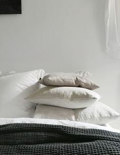 Linen pillows. /Therese Sennerholt