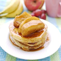 381 pancakes with caramelized apples