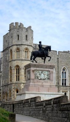 Windsor Castle, England, UK, and the Equestrian Statue of Charles II. The bronze is signed by Josias Ibach, 1679.