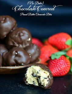(No Bake) Chocolate Covered Peanut Butter Cheesecake Bites | from willcookforsmiles.com #chocolate #cheesecakebites