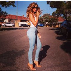 ❤️❤️❤️ Sydney Fashion Blogger, Sexy Outfits, Cute Outfits, All About Fashion, White Jeans, Leather Pants, Capri Pants, Sporty, Skinny Jeans