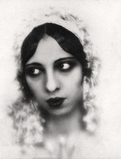 Josephine Baker  Source: vintagegal 1920's
