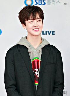 Sanha looks so grown up here Channel V, K Pop, I Hate Boys, Astro Wallpaper, Lee Dong Min, Astro Fandom Name, Divas, Pre Debut, Rapper