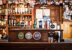 Here are 5 fun things to do in Dublin, from pub crawl and the Guinness Storehouse to shopping, nightlife, sightseeing and outdoor activities. Sauvignon Blanc, Creme De Rum, Guinness, Root Beer, Bars In Shoreditch, Flüssiges Gold, Free Date Ideas, Pub Crawl, Bar Accessories