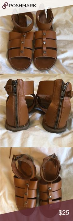 Madewell Gladiator Sandals Size 6  Cognac Brown Caramel Color  Flat sandals from Madewell  Leather uppers Gold accents Madewell Shoes Sandals