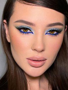 Makeup Eye Looks, Eye Makeup Art, Blue Eye Makeup, Eyeshadow Makeup, Casual Eye Makeup, Peacock Eye Makeup, Rainbow Eye Makeup, Pretty Eye Makeup, Eye Makeup Tips