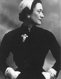 The Duchess of Windsor wearing the diamond clip that would later become Elizabeth Taylor's.