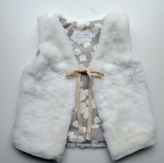 Elegance & Elephants: Faux Fur Vest Tutorial Suitable for the Flip vest pattern? Doll Clothes Patterns, Girl Doll Clothes, Sewing Clothes, Clothing Patterns, Diy Clothes, Sewing Patterns, Ladies Clothes, Sewing For Kids, Baby Sewing
