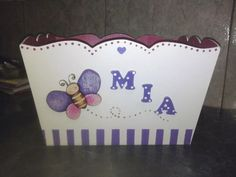 portacosmeticos de bebe-pañalera- carteles nacimiento, y mas Hand Painted Chairs, Baby Shawer, Kids Boxing, Tole Painting, Covered Boxes, Kids And Parenting, Ideas Para, Toy Chest, Arts And Crafts