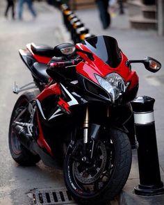 #Suzuki #gsx-r #600 what a beauty!! by krazycarsnbikes