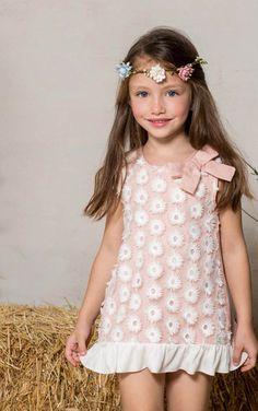 Precio: 35.00 euros Precioso vestido de niña a mitad de precio. #vestidoniña# #modainfantil# #rebajas#
