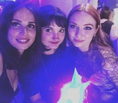The ladies of Poldark Poldark Actors, Poldark Tv Series, Poldark Cast, Poldark 2015, Demelza Poldark, Bbc Tv Series, Ross Poldark, Heida Reed, Masterpiece Theater