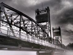 Stillwater Lift Bridge crossing the St. Feeling Minnesota, Minnesota Home, The Places Youll Go, Places Ive Been, Travel Around The World, Around The Worlds, Valley River, Charcoal Art, Photography Sites