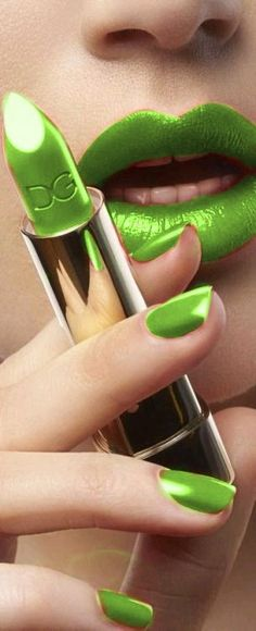 "Green - unvoyageinfni: ""D&G"" - http://dreamermakeawish.tumblr.com/"
