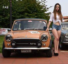 Classic Car News Pics And Videos From Around The World Mini Cooper Classic, Classic Mini, Fiat 500, Mini Morris, Bmw Classic Cars, Top Cars, Small Cars, Car Girls, Sexy Cars