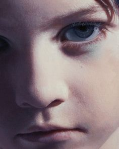 Kiwi & Mint: The Artist Tribute: Gottfried Helnwein - Painter, Photographer and Performance Artist. Painting People, Figure Painting, Painting Canvas, Painting Frames, Art Paintings, Gottfried Helnwein, Hyperrealistic Art, Hyper Realistic Paintings, Wow Art