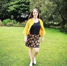 Carly in her Tonic & Cloth goodness! The Cropped Linen Jacket in Ochre Linen Jackets, Floral, Skirts, How To Wear, Clothes, Fashion, Outfit, Moda, Fashion Styles