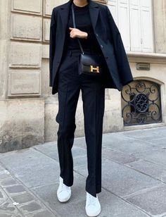 minimalistic outfit ideas for autumn - women& fashion- minimalistische Outfit-Ideen für den Herbst – frauenmode minimalist outfit ideas for fall - Black Women Fashion, Look Fashion, Urban Fashion, Street Fashion, Winter Fashion, Fashion Outfits, Womens Fashion, Fashion Trends, Fashion 2018