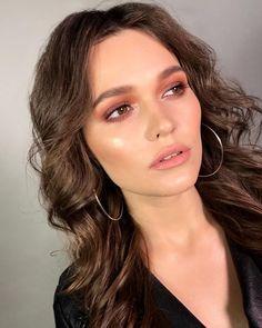 "872 Likes, 12 Comments - Anastasia Voevodina (@avoevodina) on Instagram: ""Как-то красили с ученицей нереальную красоту Mua.: @avoevodina & student #mua #makeup #beauty…"""