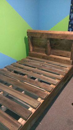 1000 images about hogar y pallets on pinterest pallet beds pallets and pallet kids. Black Bedroom Furniture Sets. Home Design Ideas