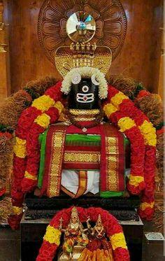 "Shiva is known as ""The Destroyer"" within the Trimurti, the Hindu trinity that includes Brahma and Vishnu Shiva Linga, Mahakal Shiva, Shiva Art, Krishna, Photos Of Lord Shiva, Lord Shiva Hd Images, Lord Shiva Hd Wallpaper, Lord Shiva Statue, Lord Murugan Wallpapers"