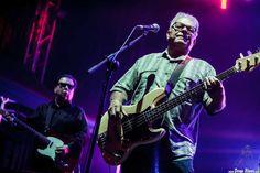 Conrad Lozano -bajo- y Cesar Rosas -voz y guitarra- de Los Lobos, Music Legends Fest 2016, Centro La Ola, Sondika, 10/VI/2016. Foto por Dena Flows  http://denaflows.com/galerias-de-fotos-de-conciertos/l/los-lobos/