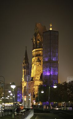 Berlin city tour at night - Ku'damm,  the Memorial Church as the eastern end of the Kurfürstendamm / http://en.wikipedia.org/wiki/Kurf%C3%BCrstendamm