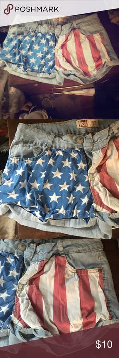 American flag shorts Never worn, they're just rumpled from sitting in my drawer, super cute! Low rise lei Shorts Jean Shorts