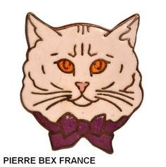 VINTAGE-FRENCH-PIERRE-SILVER-ENAMELED-CAT-HEAD-WITH-BOW-PIN-WHITE-PURPLE